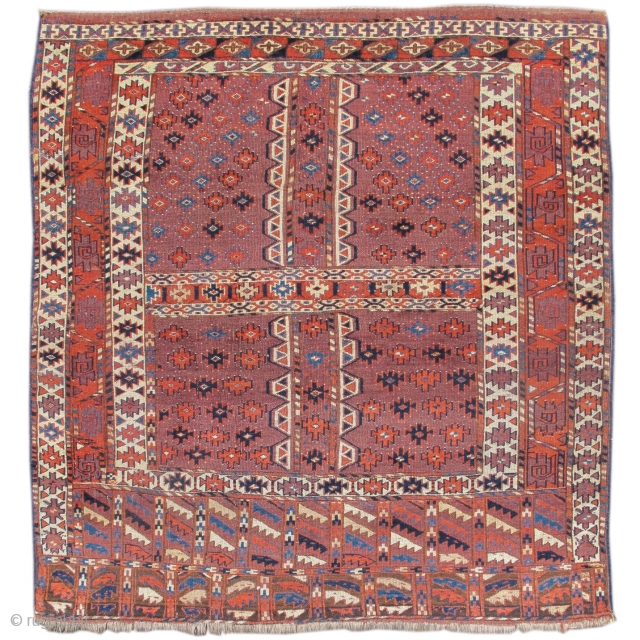 "Yomut or P-Chodor Turkmen ensi, 4'9"" x 5'1""