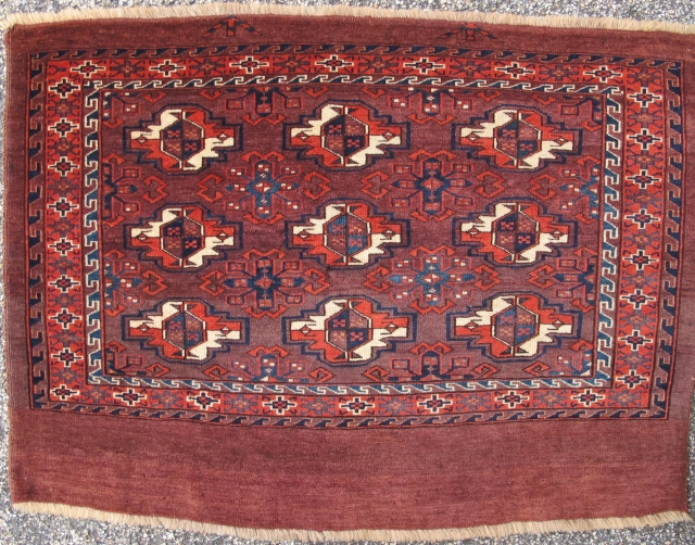 Antique Yomud Chuval with a rare and particularly good minor gul often seen on older Turkmen subgroup bags and main carpets. Great spacing and drawing with a fine weave and excellent condition  ...