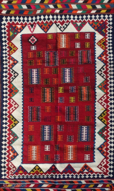Authentic Mid-20th Century Qashqai ghelim/kilim from the Zagros mountains 125x210cm