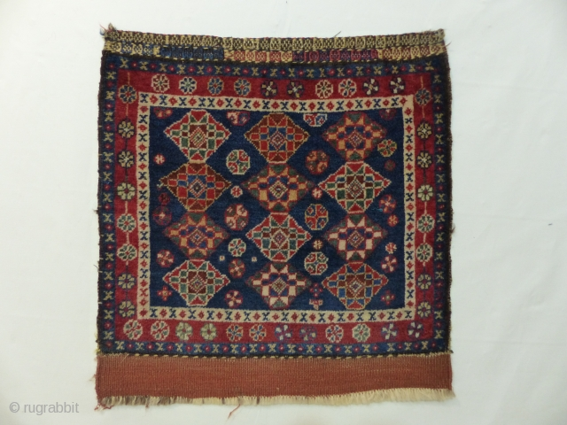 Gashgai kashkuli bagface around 1900 in great condition with beautiful natural colors. High wool. Size: 55 x 56 cm