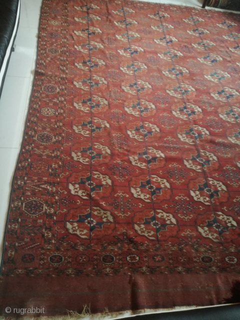 19th century Tekke carpet, 270/220 cm. Dirty, with demages. Very fine weaving.
