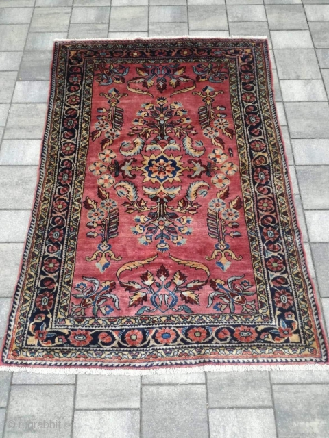 An old Iran Lilihan rug in perfect condition. 160/100 cm. Very fine weaving.