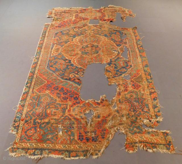 Early 18th Century West Anatolian Oushsak Size.305x208 Cm