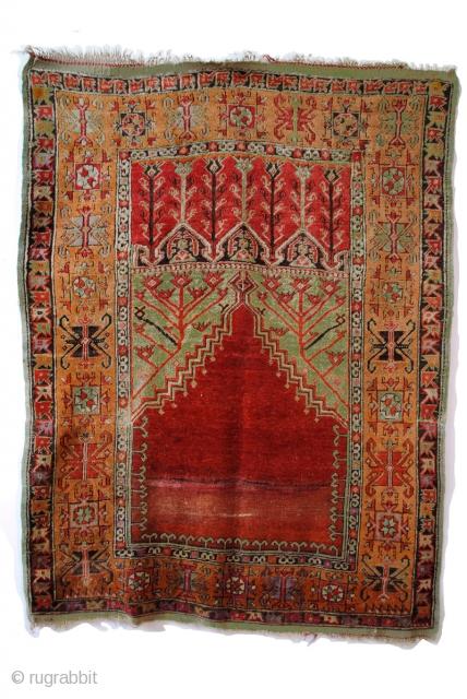 Konya Anatolia, ca 1870 1885, 19th century, 185 x 135 Cm.  With rare green. Nice glow in the wool.  www.tablesXL.com