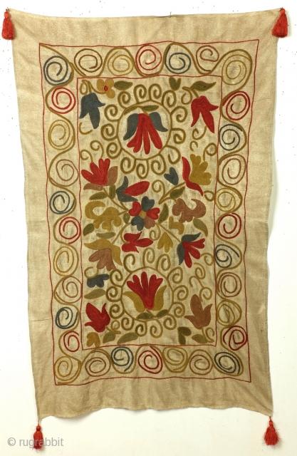 Suzani, Kyrgystan, 1900 - 1930. In very good condition. Clean.  83 x 132 Cm.