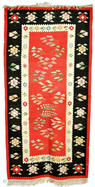 Stunning Balkanski Kilim, Bulgaria or Romania, 19th century or early 20th. 