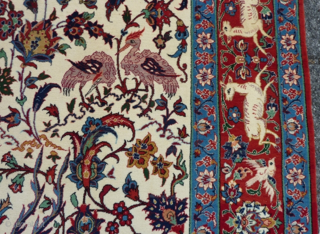 "Isfahan, 160 x 105 cm., 5' 3"" x 3' 5"", in absolute mint condition. Knotted with the finest quality of wool on a silk foundation ( 10 x 10 per cm2 ).  ..."