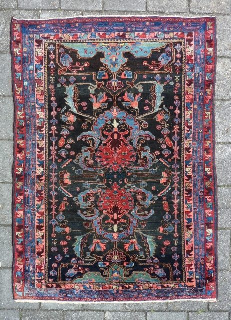 "Bold and graphic Kurdish rug, 204 x 144 cm., 6' 8"" x 4' 9"", in Bidjar style, early 20th. c. In perfect condition, with meaty pile all over. Without any wear and  ..."