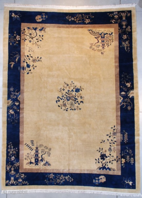 """#7660 Art Deco Chinese Oriental Rug This circa 1925 Art Deco Chinese Oriental Rug measures 10'5"""" X 13'7"""" (320 x 417 cm). It has an ivory field with a small floral center medallion.  ..."""