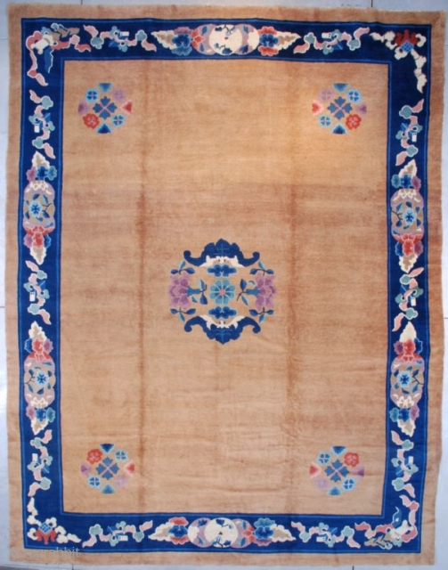 """#7582 Peking Chinese Rug  This circa 1900 Peking Chinese Oriental rug measures 12'1"""" x 15'8"""" (368 x 481 cm). It has a very clean and open field with a circle of flowers and  ..."""