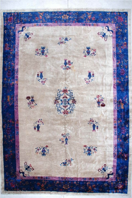 """#6150 Antique Feti Chinese Rug This circa 1910 antique Feti Chinese Art Deco Chinese Rug Oriental carpet measures 11' X 15'6"""". It has a dark ivory field with a small center medallion of  ..."""