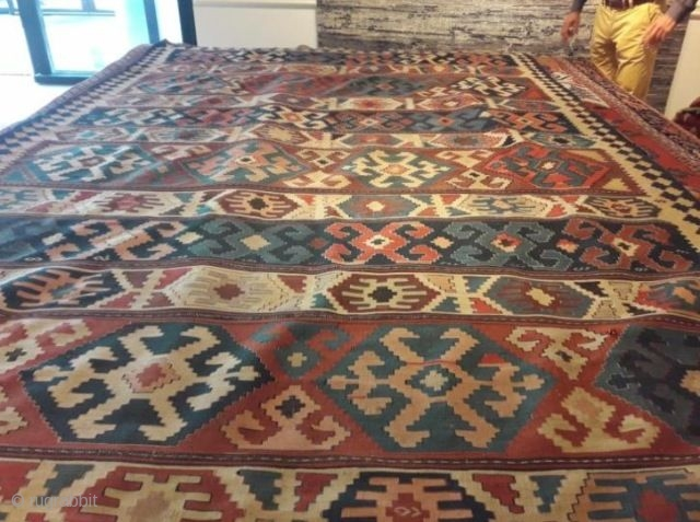 Kilim 375 x 201 cm, great colors, excellent 