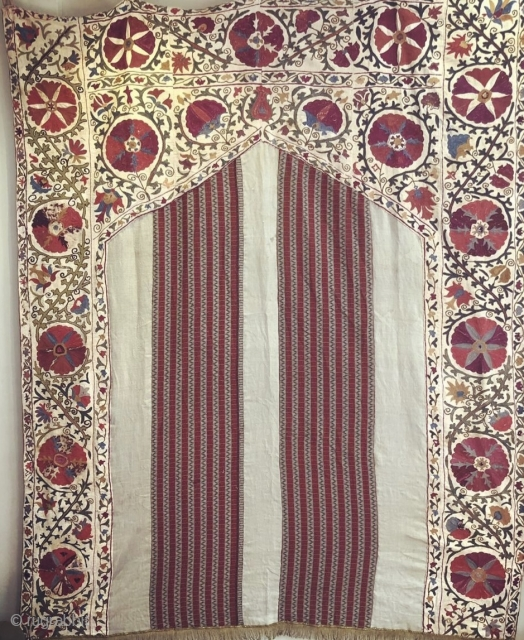 """19th C. Prayer Niche Suzani Pieced inset prayer niche of 42"""" wide x 63"""" L to top of point. Two 12 ¾"""" inset panels of striped (1"""" wide) of 18th C. Kashmir shawl  ..."""