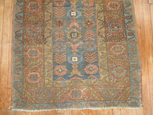 Antique Heriz that reminds me of bakhshiash.  Size is 3'1''x4'4''.  Only some low areas...  ends need a little straightening.