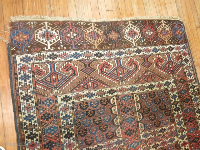 Antique Turkoman Size 4'9''x5'5''.  Has top corner slightly missing.