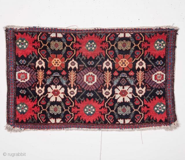 Persian Pile bagface ( possibly Hamedan )  50 x 86 cm / 1'7'' x 2'9''