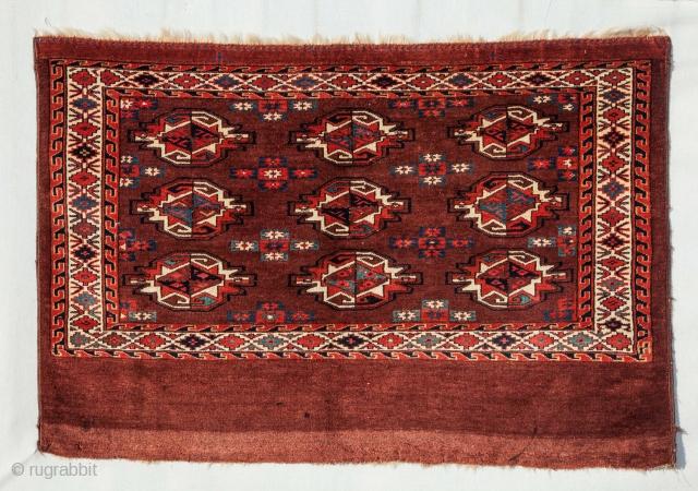 Turkmen Yomud Chuval 77 x 116 cm / 2'6'' x 3'9''