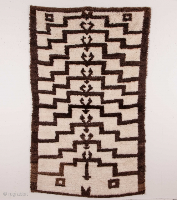 Central Anatolian angora and wool mix Tulu Rug 122 x 216 cm / 4'0'' x 7'0''