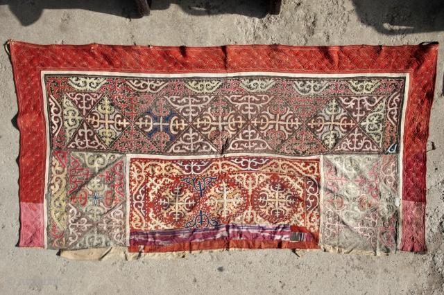 Kazakh- tuskiiz,  Centrai Asians (Non-Turkmen) embroidery, carpet for decorating the walls of the Yurt, 1930-40 East Kazakhstan.