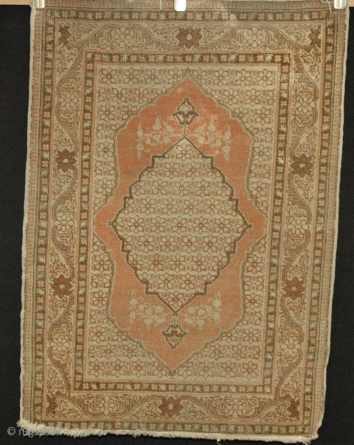 Tabriz Hadj Jallili mat 81x58cm, Circa 1880, even all over wear.