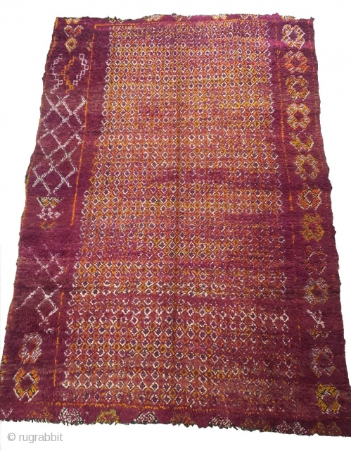 Fine moroccan berber rug..Origin: Beni M'guild tribe / Middle-Atlas..Mid XXth..Size: 11'2 x 7'2 (340 x 220 cm)..100% wool
