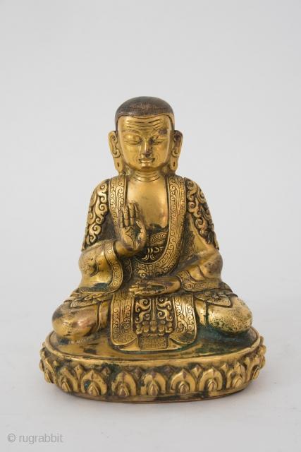 Tibet hartvergoldet mit floralen relief Gewand 19th c  please ask