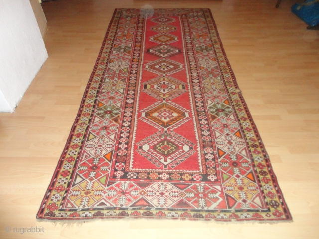 Antique  caucasian   Shirwan    135 X 315 cm , roud  1900