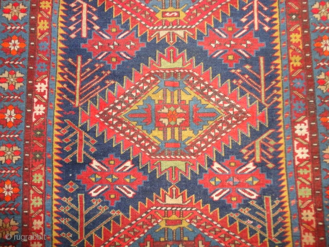 Fine  antique  caucasian  Shirwan  rug  19 th. century  115 X 159  cm.