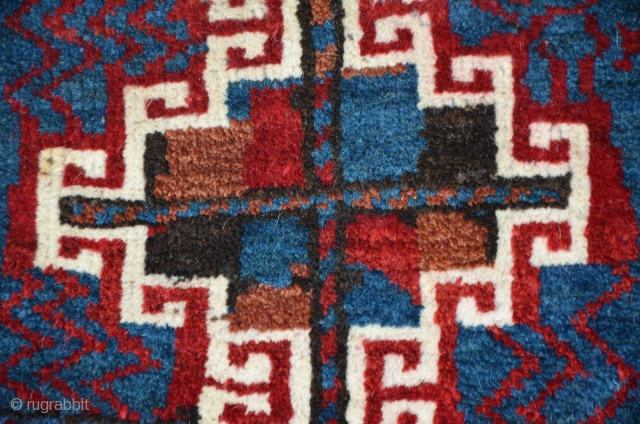 Kurdish tribe bagface from Baluchistan. Symmetric knots, 48 x 38 cm