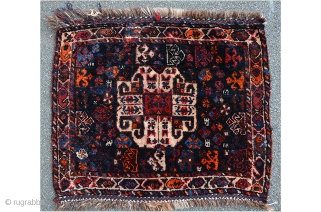 Persian bagface, Khamseh? 65 x 58 cm, high floor with shiny wool.
