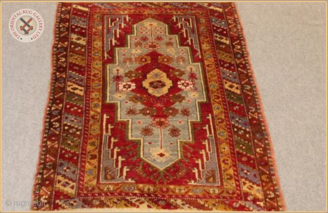 "RG 1202- Antique Bergama rug circa 1910 wool on wool Very good condition Size : 1.46m x 1.04m  4`9"" x 3`5"""
