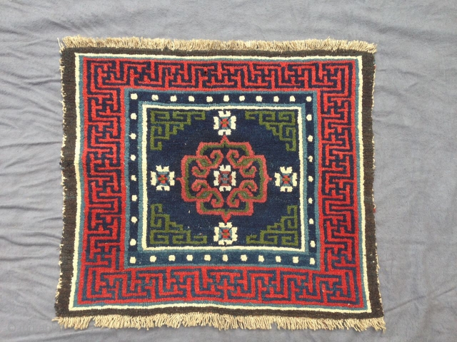 Tibetan sitting square (Khagangma), good colors, perfect condition, late 19th century, Central Tibet, 60 x 69 cm