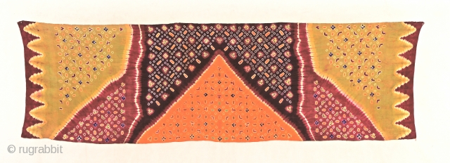 Spectacular Balinese breast cloth - tie-dyed - plangi and tritik. Silk early 20th c. Size 225x68cm Item no: Bali58. www.tinatabone.com