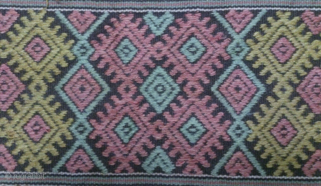 Antique Swedish Kilim, no: 283, size: 142*45cm, 19th century, wool on cotton, all natural colors.