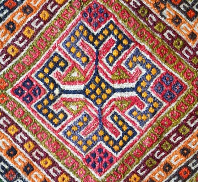Anatolian kilim Juval(Jual), no: 151, size: 80*47cm, wool on wool.