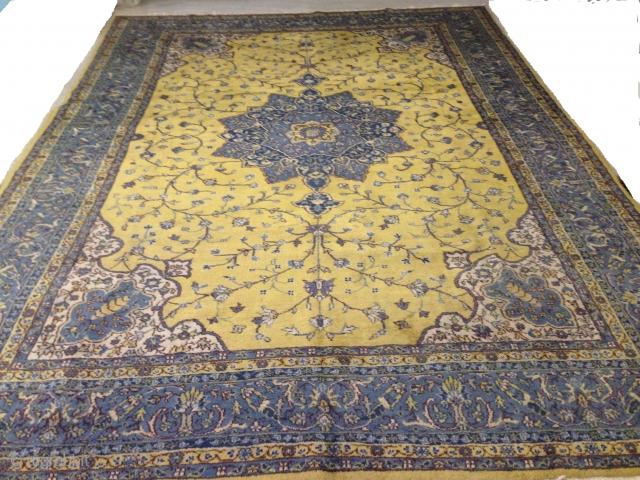 anatolian isparta  cm 3.70 x 2.70  1920   circa  good condition