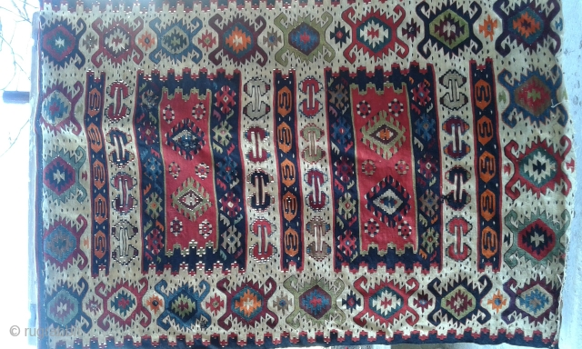 Antique early 20th century Pirot Sarkoy kilim. Restauration needed. 150 x 100 cm