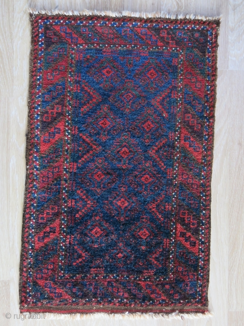 """Baluch balisht - Fine wool with saturated natural colors.Circa 1900 -1920s size: 30"""" X 20"""" -- 76 cm X 51 cm"""