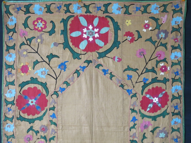 """Central Asia Uzbekistan Nim Suzani, silk emrboidery on fine cotton, little patch on lower right. printed cotton backing. circa 1900 or earlier, size : 51"""" X 37"""" -- 130 cm X 94  ..."""
