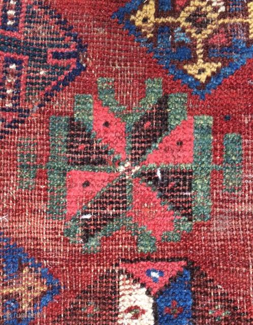 Rare Qhasgai carpet very old. Size 310x220cm