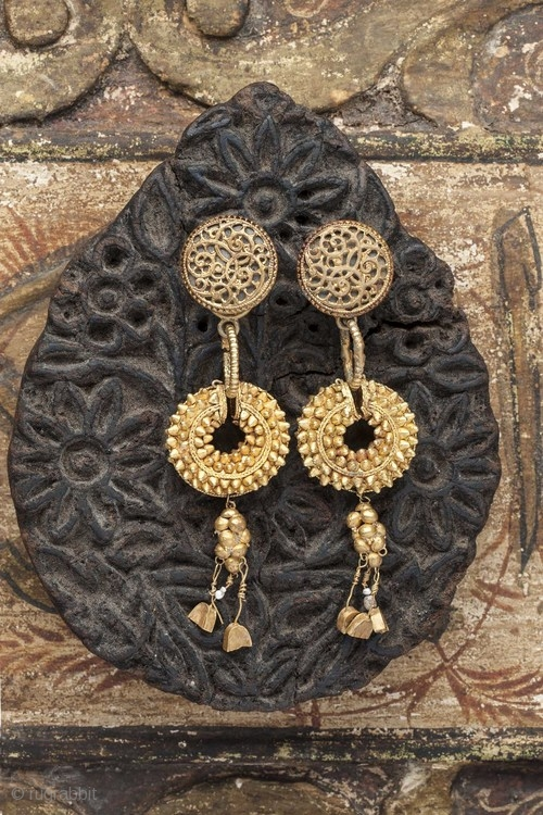 Pair Of Ancient 22k Gold Earrings From Persia 200 Ad With
