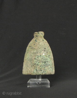 Dong Son Bell: Rare bronze bell from the Đông Sơn culture, circa 2000 years old. Original condition- no breakage or repair comes with simple perspex stand. H: 9.6mm/3.8in and base W: 7.3cm/2.8in.