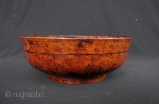 Sino Tibetan Lacquer Bowl: Nice old wood bowl from circa late 19th to early 20th century- some losses to the lacquer but otherwise good condition. D: 16.3cm/6.4in an H: 6.4cm/2.5in