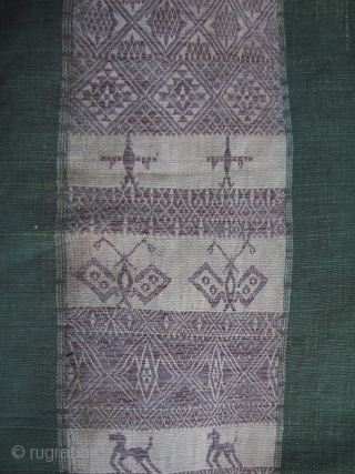 Chin Woman's Cloth: Exceptionally rare woman's shoulder cloth from from the Khami, Khuni or Mro, Chin subgroups living in the Rakhine and Chin states, west Myanmar. Woven from two ply warp handspun  ...