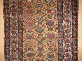 Northwest Persian rug. 120 x 252 cm