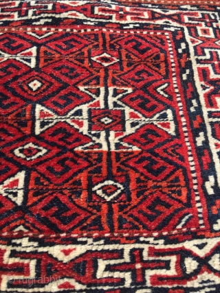 Rare Goklen double khorjin in very good condition. The goklen are a Turkmen tribe (Yomut affiliated) who lived in North-East Persia close to the Caspian sea. Typical Goklen design of the gols  ...