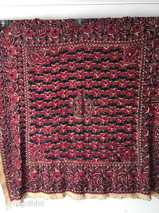 "Indian Rajahstan embroidery known locally as ""Rumal"". These were used as wrapping cloth for precious gifts. Silk on silk. Second half 19th century. Very good condition, some wear around the medallion. Beautiful  ..."