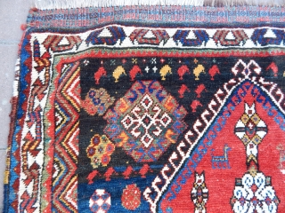 Antique Qashqaii Triball Rug  size.156x100cm
