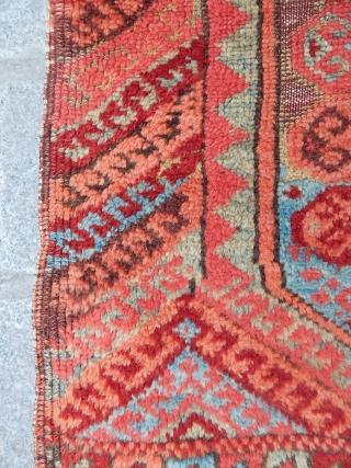 Antique East Anatolian Divan Rug Fragment  size.135x110cm