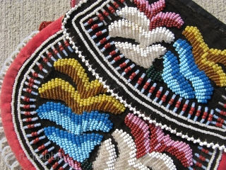 Antique Native American Iroquois beaded bag, purse, hand sewn polychrome glass seed beads on fabric, Eastern Woodlands, Great Lakes, ca.1900, general good condition, both sides are decorated, both sides are shown, the  ...